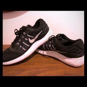 Nike trainers 8.5 US